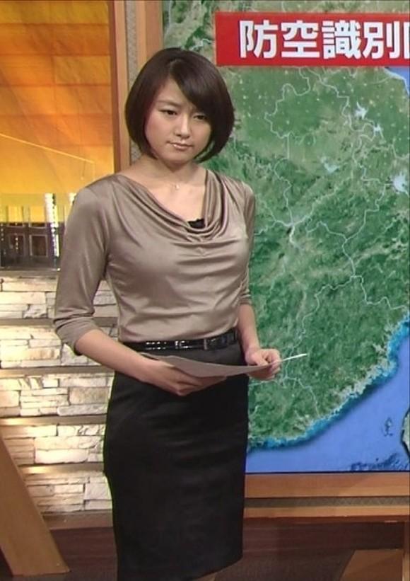 女子アナ大島由香里の服から溢れんばかりの着衣巨乳おっぱいエロ画像 3047