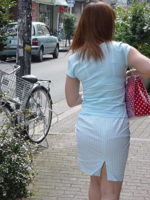 透けブラしてる素人娘の街撮りエロ画像 3346