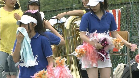 高校野球のテレビ放送で映った女子校生達の素人エロ画像 3641