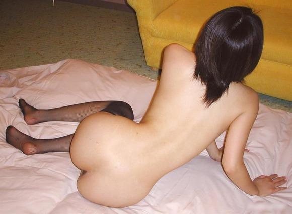 彼氏やセフレに素っ裸を撮られた素人娘の全裸エロ画像 3815
