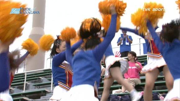 高校野球のテレビ放送で映った女子校生達の素人エロ画像 4114