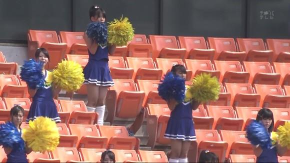 高校野球の応援席ではしゃぐ女子校生チアリーダーのエロ画像 7101