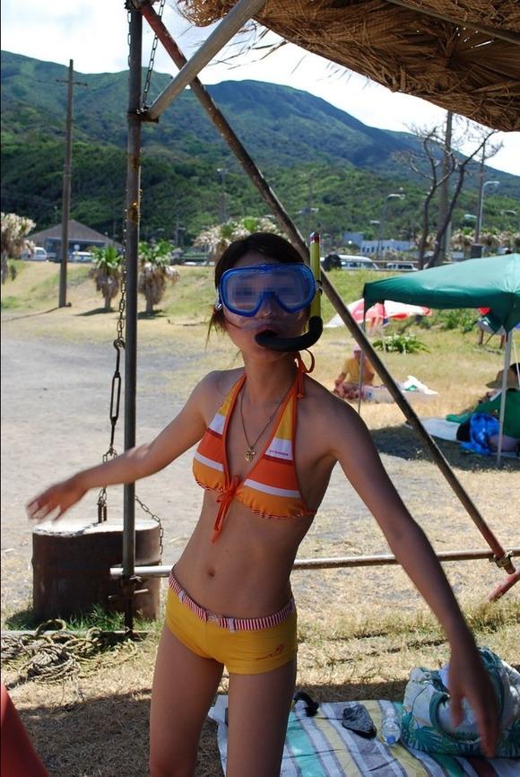 ビーチではしゃぐビキニ娘達が激写されネット投稿されてる抜ける素人エロ画像 727