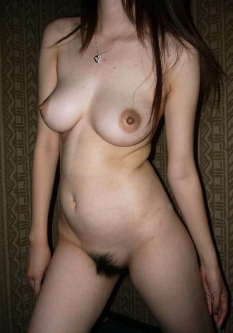 素人なのに綺麗な形した巨乳おっぱいをさらす娘達のエロ画像 773