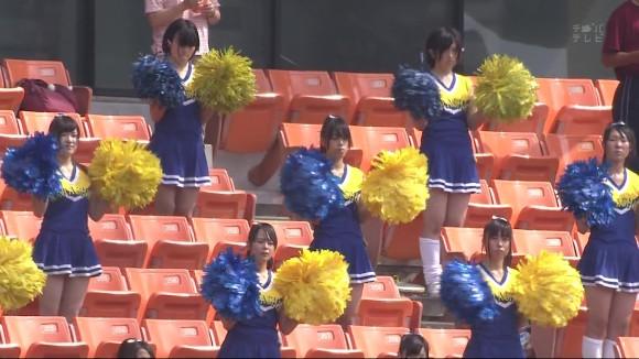 高校野球の応援席ではしゃぐ女子校生チアリーダーのエロ画像 8100