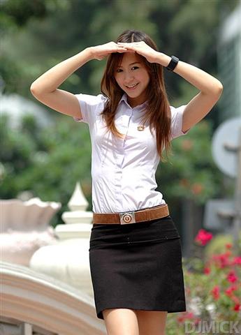 タイの女子大生が激カワ過ぎる素人エロ画像 9