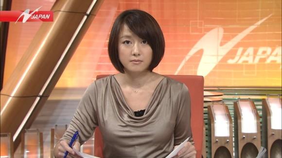 女子アナ大島由香里の服から溢れんばかりの着衣巨乳おっぱいエロ画像 949
