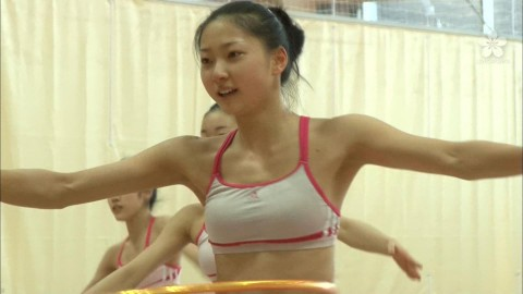 新体操の畠山愛里の着衣おっぱいがセクシーなキャプエロ画像 1052