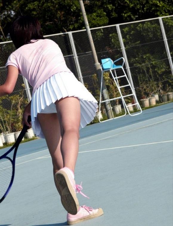テニス部の女子が試合を頑張ってるお尻のエロ画像 1116