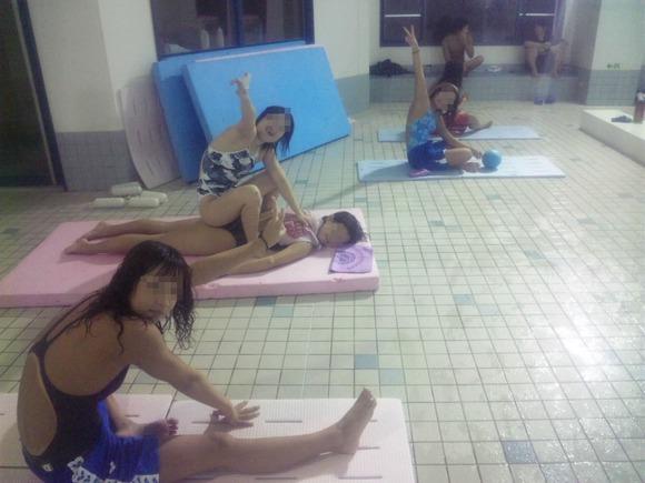 水泳部や陸上部の引き締まった体がエッチな素人娘たちのエロ画像