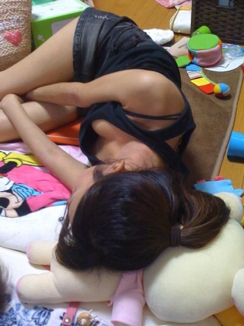 写メ撮られてネット流出したちょっとエッチな姉貴の寝姿エロ画像 1251