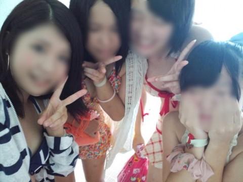 SNSにネット投稿してる素人娘のおふざけが割りと抜けるエロ画像 2242