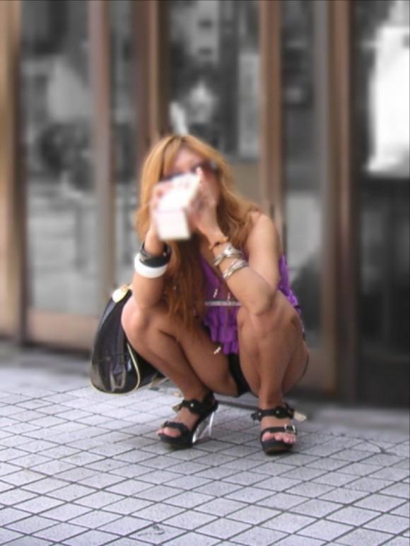 オナニーがめっちゃ捗る素人娘の街撮りされたお尻や太もものエロ画像 2420
