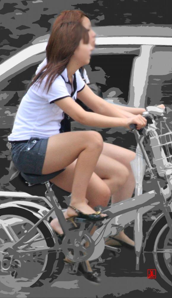 赤の他人の何気ない仕草がエロい素人娘の街撮りエロ画像 2511