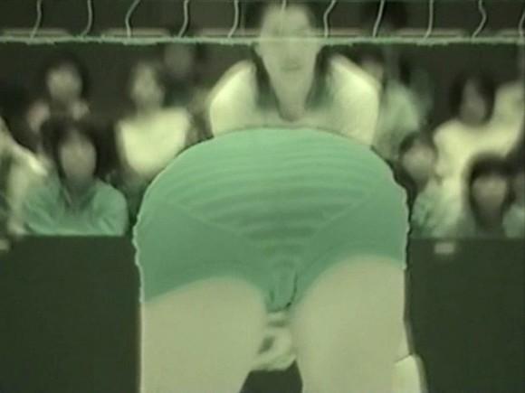 スポーツ選手たちの引き締まったお尻に視線が釘付けなキャプエロ画像 302