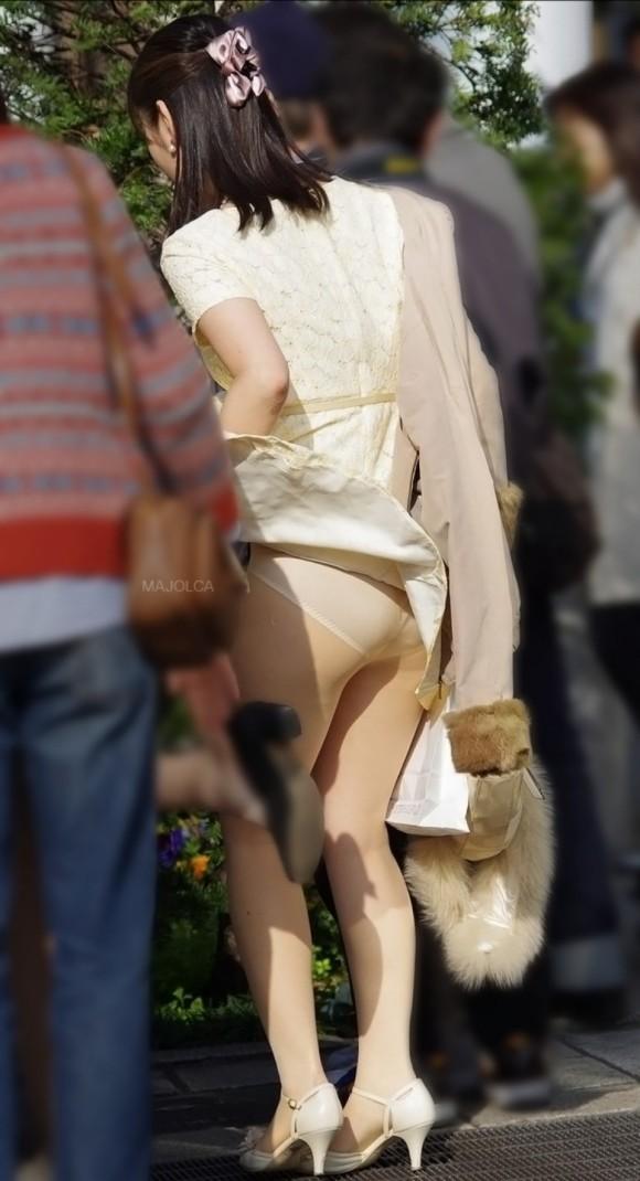 オナニーがめっちゃ捗る素人娘の街撮りされたお尻や太もものエロ画像 3104