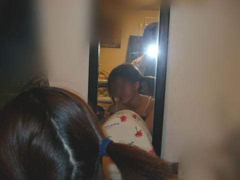 セフレとラブホで鏡越しにハメ撮りしてネット投稿した素人エロ画像 32
