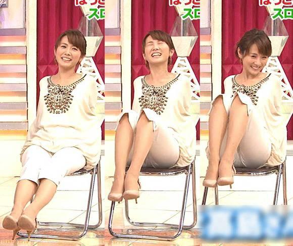 美人OLの女子アナがテレビでエッチな姿を披露するキャプエロ画像 3516