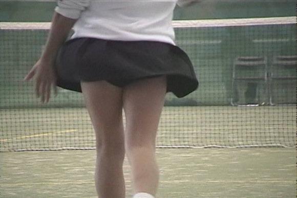 テニス部の女子が試合を頑張ってるお尻のエロ画像 359