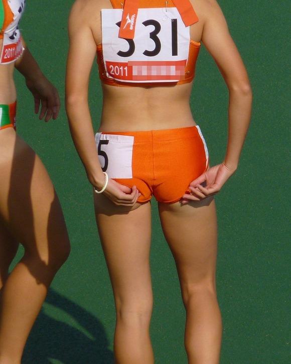水泳部や陸上部の引き締まった体がエッチな素人娘たちのエロ画像 3817