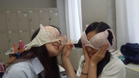 SNSに投稿されたおふざけしてる女子校生達のエロ画像 476