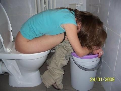 泥酔した外人がところ構わず寝たり露出しちゃってるエロ画像 732