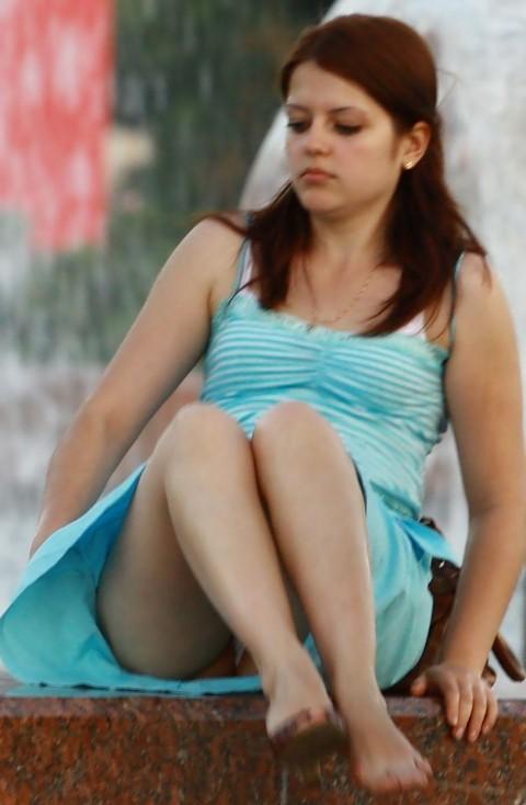 外人娘のパンチラとか胸チラを激写した街撮りエロ画像 758