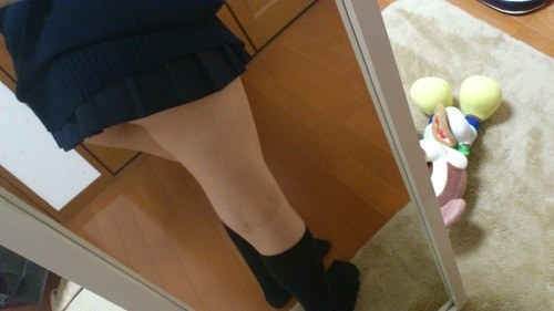 女子校生の制服コスプレしておっぱいやおまんこまで自画撮りしてるエロ画像 007