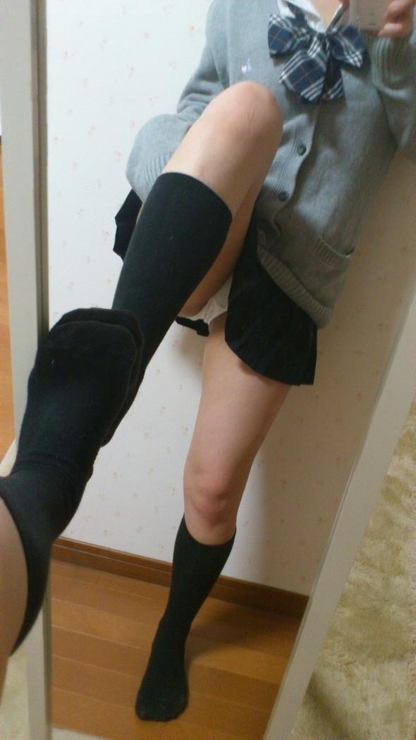女子校生の制服コスプレしておっぱいやおまんこまで自画撮りしてるエロ画像 014