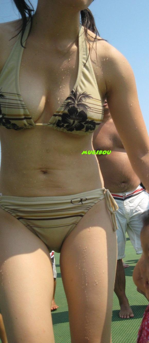 海でビキニになってで調子こいてる素人娘達のエロ画像 1114