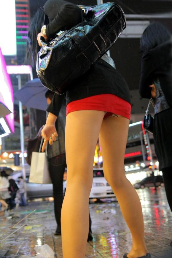スタイル抜群な素人の韓国ギャルが街撮りされたエロ画像 2144