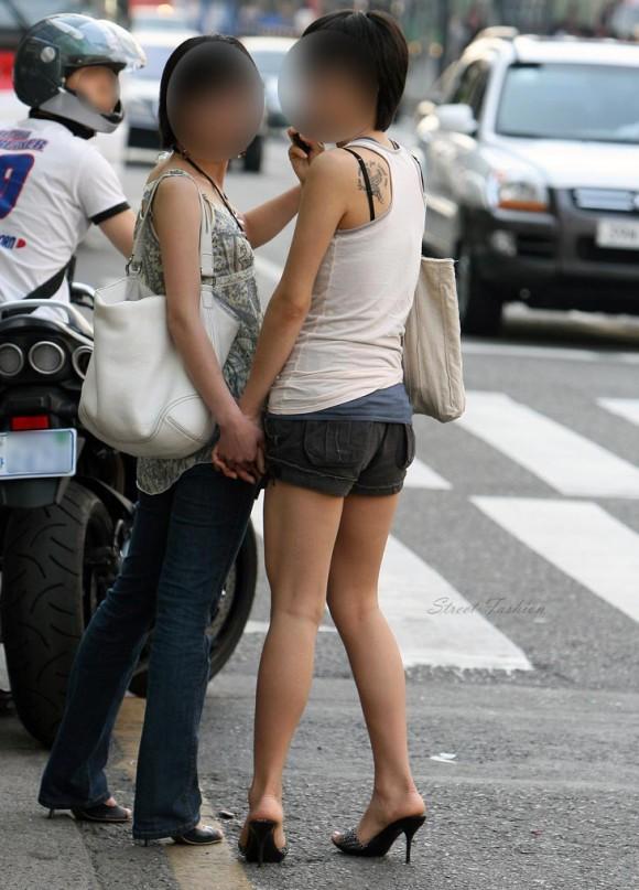 スタイル抜群な素人の韓国ギャルが街撮りされたエロ画像 2228