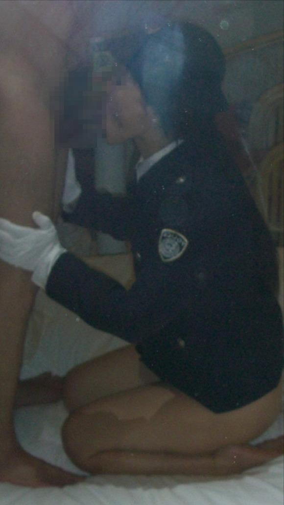 セフレに婦警のコスプレさせてエッチした時の投稿エロ画像 2612