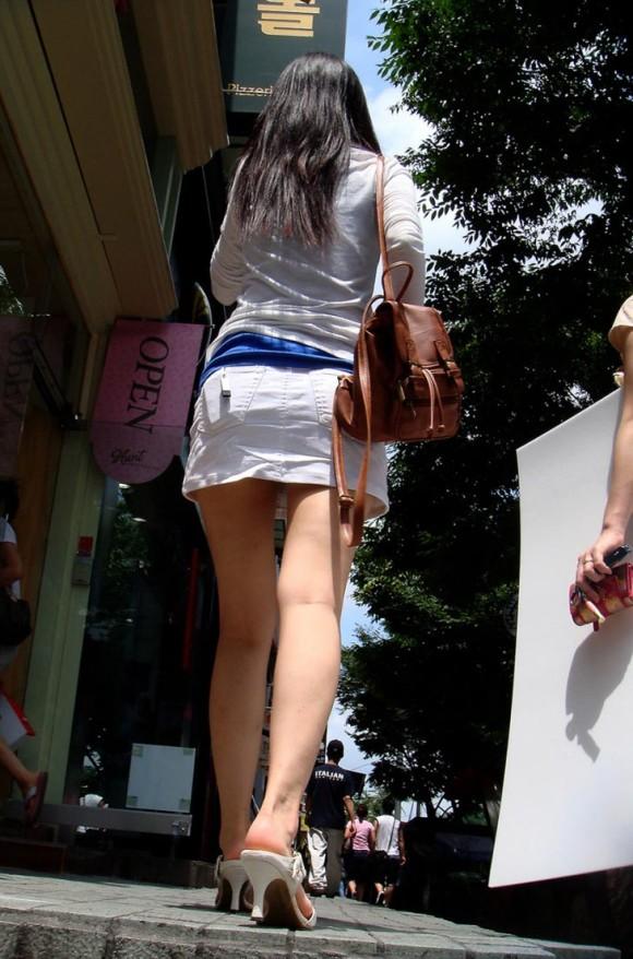 スタイル抜群な素人の韓国ギャルが街撮りされたエロ画像 3106