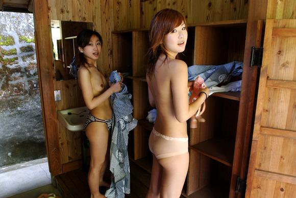 性欲がおかしな方向に向かってるキチガイじみたヤバいエロ画像 3212