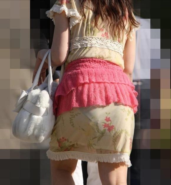 むっちりしたお尻と透けパンチラしてるお姉さん達の街撮りエロ画像 3233