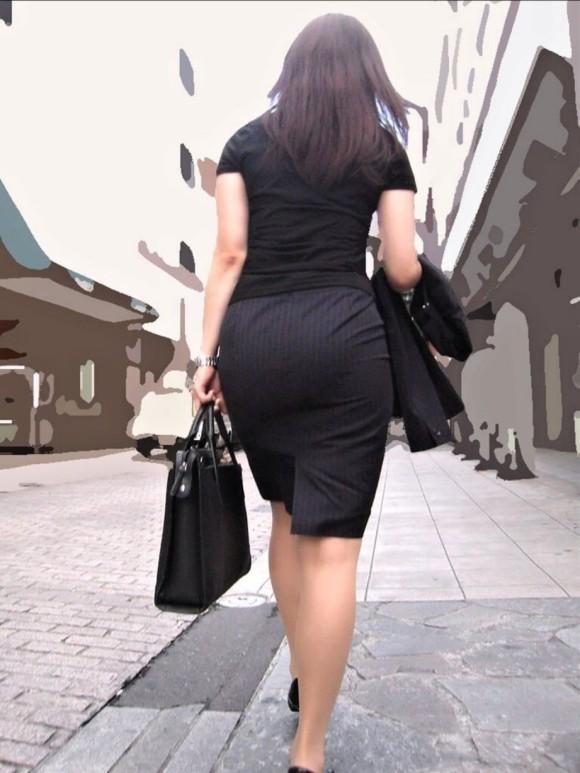 プリッとしてたりペッチャンコだったりどれでも抜ける素人娘を街撮りしたお尻エロ画像 3413