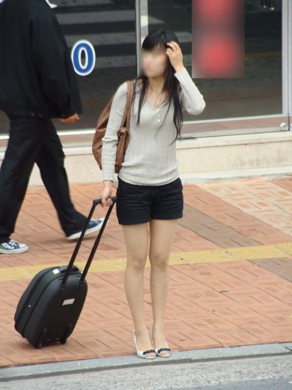 スタイル抜群な素人の韓国ギャルが街撮りされたエロ画像 3518