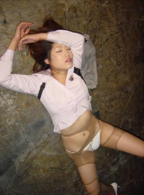 ガチレイプされた女性達のヤバいエロ画像 585