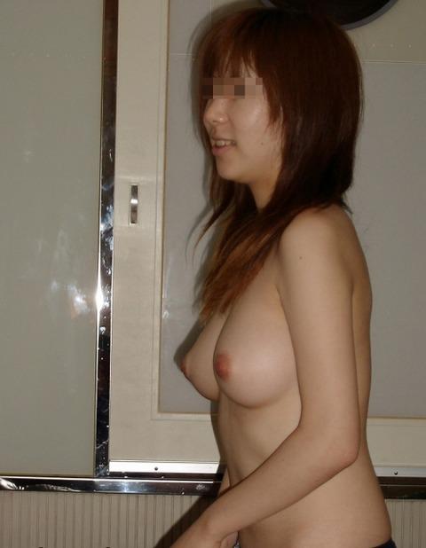 彼氏とエッチしてごきげんな彼女の裸を撮影したエロ画像 684