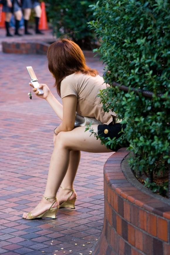 しゃぶりつきたいむっちり太ももを街撮りしたエロ画像 782