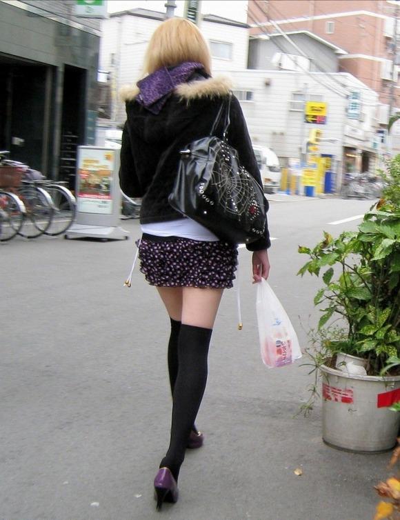 日常風景がめっちゃエロい事に気づけた街撮りエロ画像 862