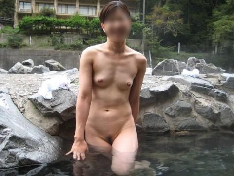 元カノとのお泊り旅行で露天風呂に一緒に入って写メった投稿エロ画像 1037