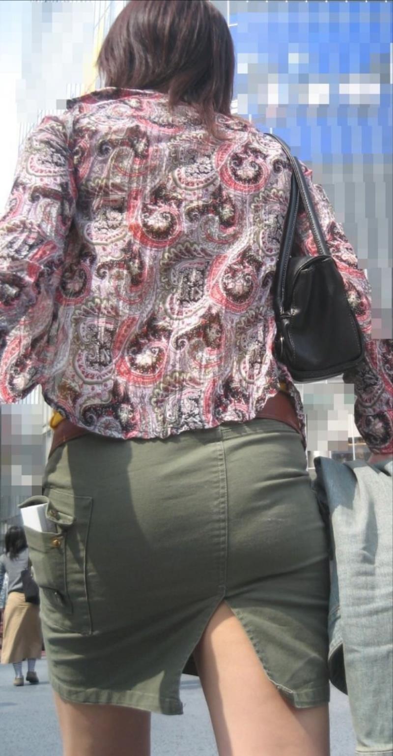 タイトスカートを履いた素人OLの街撮りエロ画像 1052
