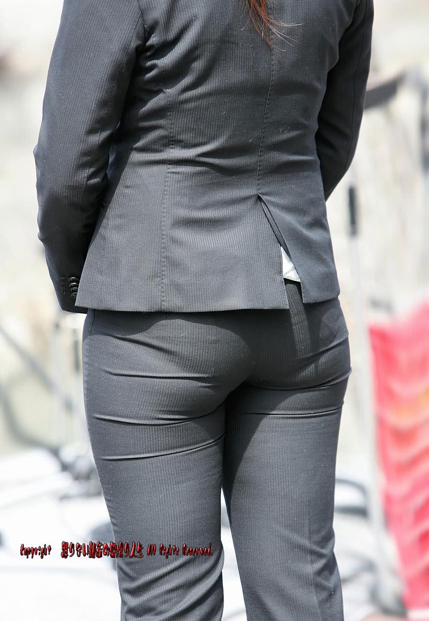 スーツ姿のOLのお尻を街撮りしたエロ画像 1374