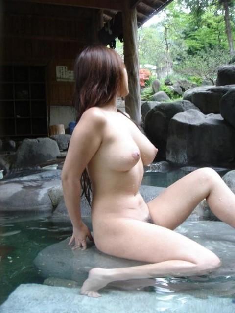 元カノとのお泊り旅行で露天風呂に一緒に入って写メった投稿エロ画像 1537