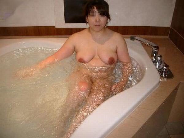 お風呂入ってる彼女を激写して流出したエロ画像 1772