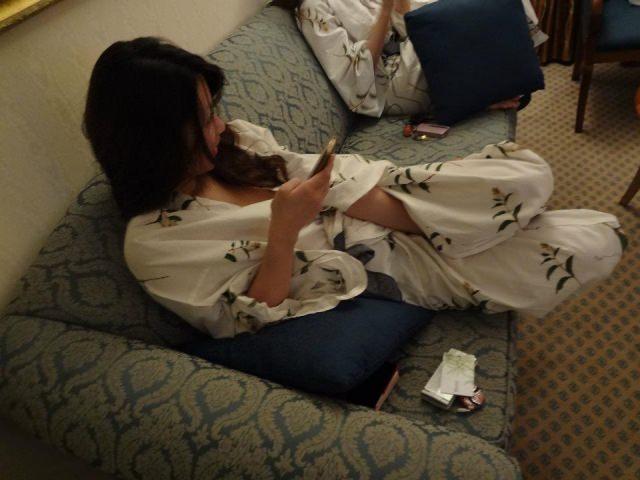 お泊り旅行で浴衣が肌蹴たセフレや彼女を勝手に写メってネット投稿したエロ画像 2036