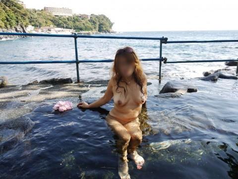 元カノとのお泊り旅行で露天風呂に一緒に入って写メった投稿エロ画像 2418