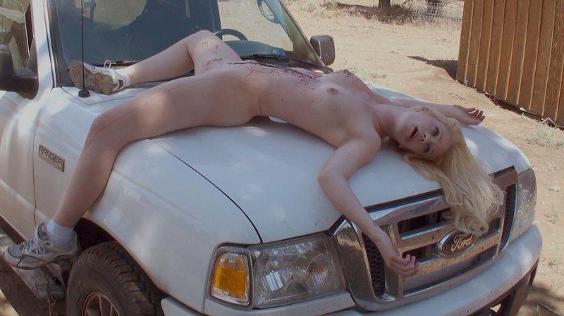 外人美女がレイプされ殺害されたエロ画像 285